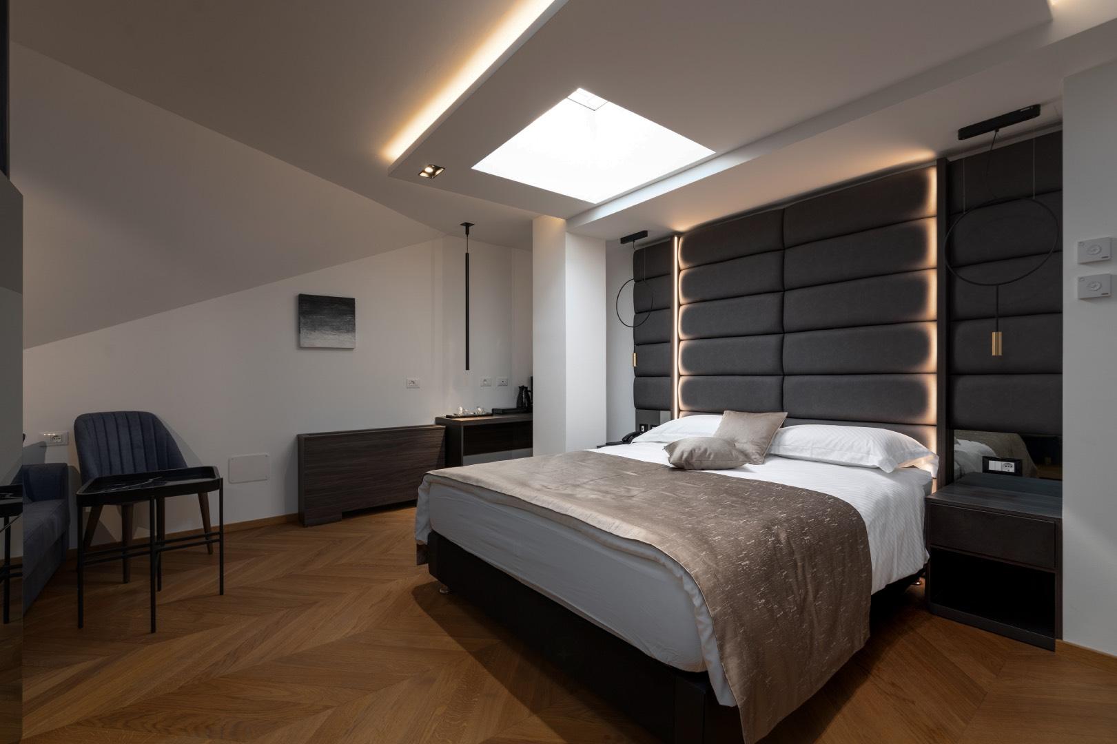 Superior double room-attic (roof windows)